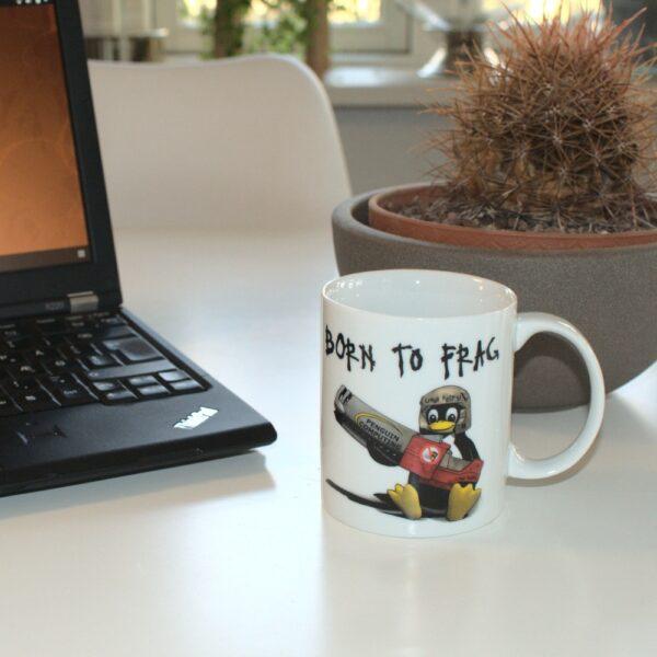 """Linux krus med """"Born to frag"""""""