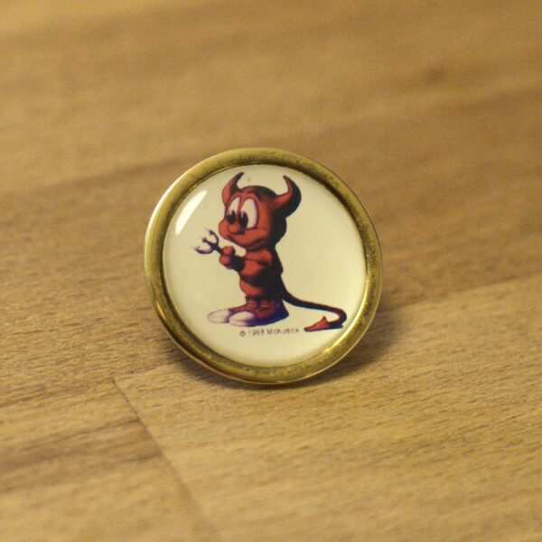 FreeBSD badge with BSD Daemon